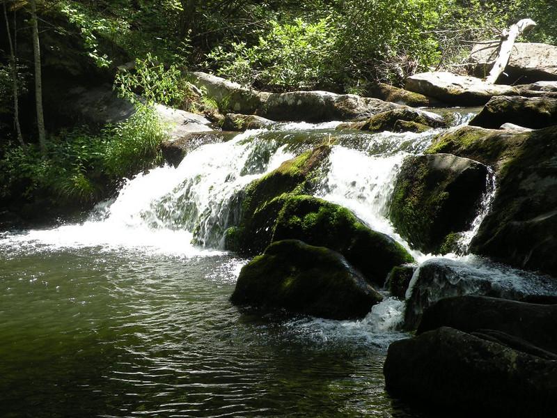 unnamed falls north river